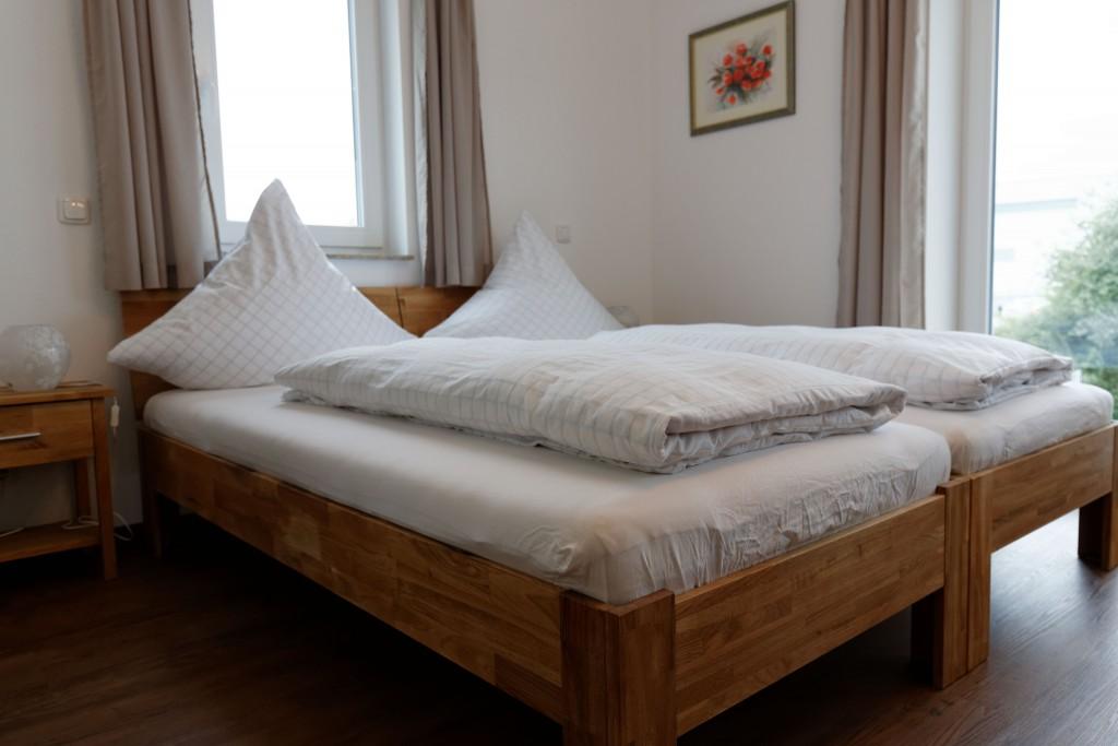 doppelzimmer nr 2 pension christina. Black Bedroom Furniture Sets. Home Design Ideas